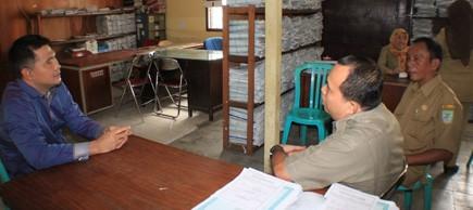 Wako Jambi SY Fasha saat berkantor di kantor Lurah Telanaipura beberapa waktu lalu