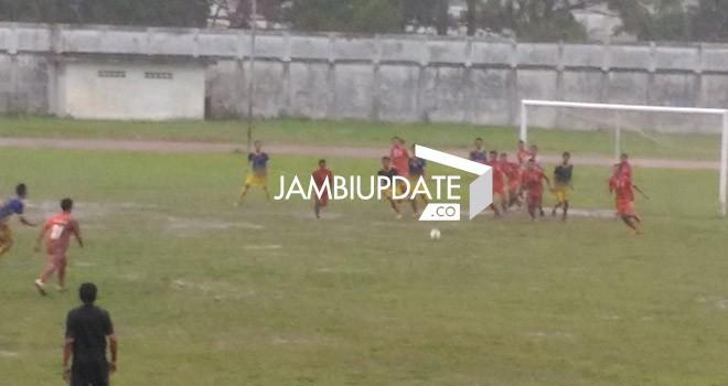 Pertandingan Muaro Jambi kontra Sarolangun