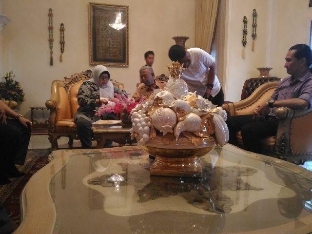 Sofia Fattah menerima tamu di kediamannya di bilangan Kota Baru Selasa siang ini (16/2)