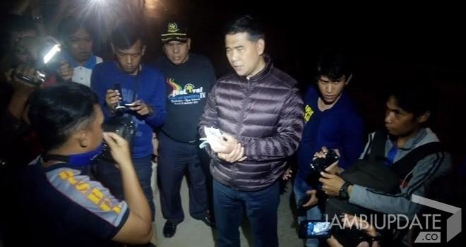 Walikota Jambi Sy Fasha saat menangkap aksi pungutan liar petugas Dishub di Jalan lingkar selatan.