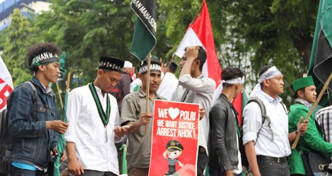 Massa HMI saat Demo 4 November. Foto: source for JPNN.com