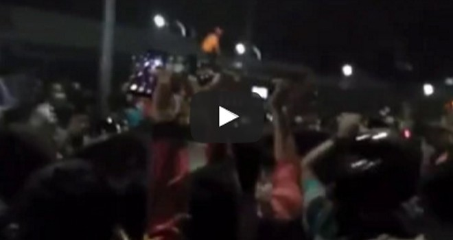 Video evakuasi polisi dari dalam lapas.