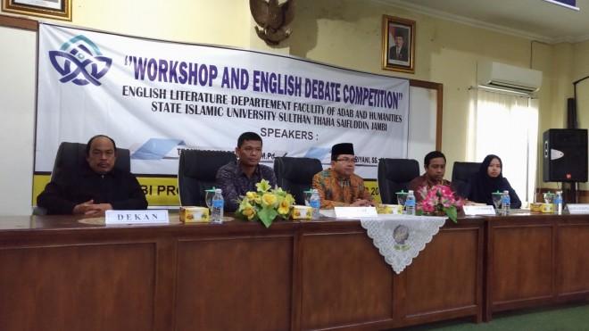 Jurusan Sastra Inggris Fakultas Adab dan Humaniora UIN STS Jambi mengadakan workshop dan Debat Bahasa Inggris.