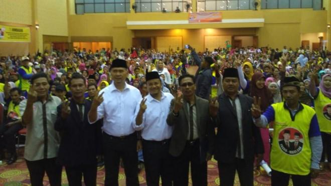 Ribuan Orang Hadir Dalam Pengukuhan Tim Relawan Kecamatan Danau Sipin.