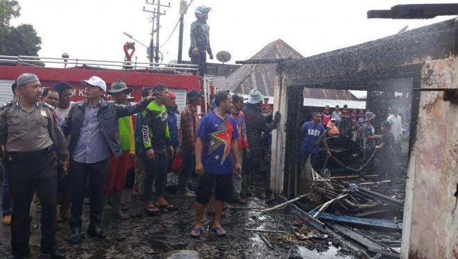 Kebakaran di Kersik Tuo, Zainal-Arsal Langsung ke Lokasi.