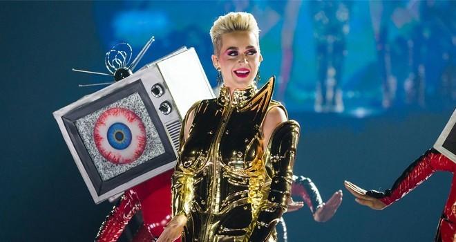 Katy Perry saat menghibur KatyCats di Witness Tour, Singapura pada 9 April lalu. (AEG Presents)