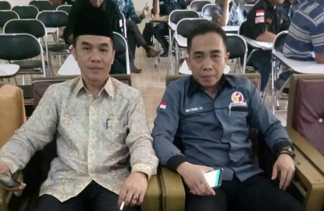 Ketua KPU Afdal, Bersama anggota Panwaslu Wawan Kurniawan.