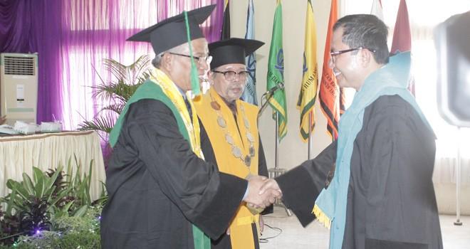 Ketua Senat dan Rektor saat pengukuhan Prof. Dr. H. Suaidi,MA,Ph.D.