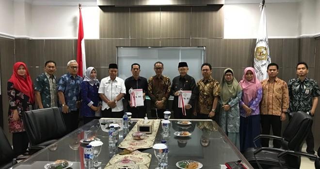 Foto bersama di kantor BPK RI wilayah jambi usai menerima opini WTP.