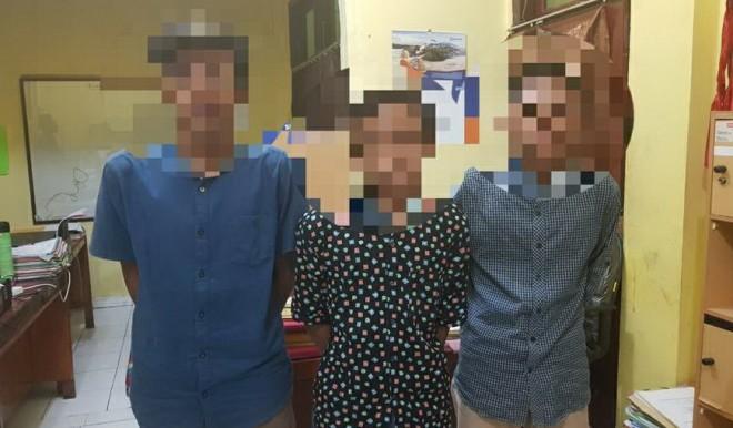 Ketiga bandit di Jalinsum Sarolangun yang diamankan di Mapolres Sarolangun, Minggu I22/7) lalu.