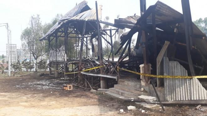 Tribun Utama Eks Arena MTQ Kota Jambi Hangus Dilalap Si Jago Merah.