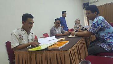 Komisi Pemilihan Umum (KPU) tengah melakukan pengecekan dokumen pencalonan calon anggota DPD RI usai menghadpai masa perbaikan tahap pertama.