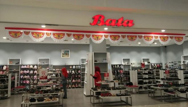 Toko Sepatu Bata menggelar promo satu juta pasang sepatu dalam rangka merayakan hari Kemerdekaan RI.