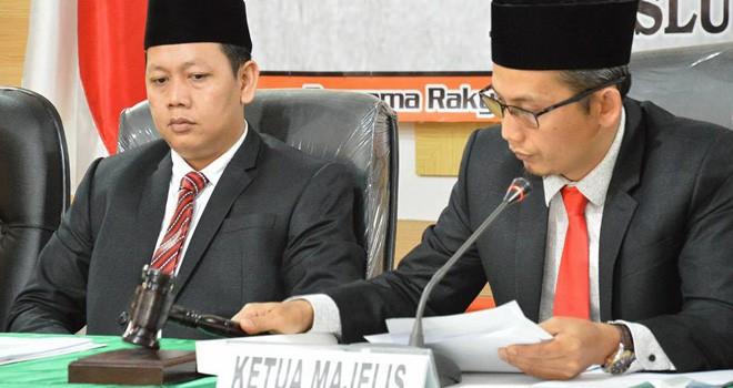 Ketua Majlis segketa proses Pemilu, Asnawi memimpin sidang putusan  sidang ajudikasi Ajudiksi yang diajukan termohon PAN dan PBB.