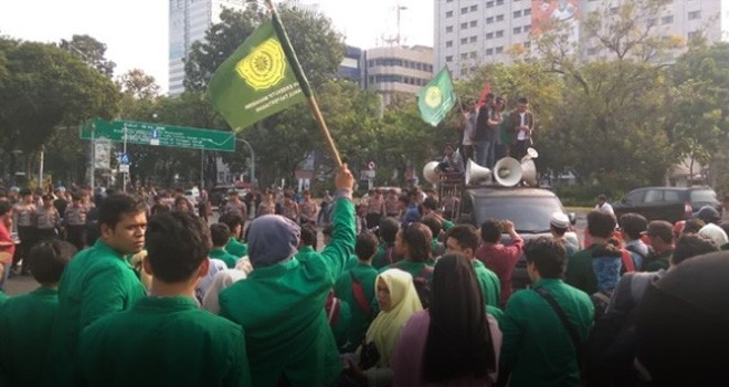 Aksi Mahasiswa depan Istana Negara. Foto : Rmol.