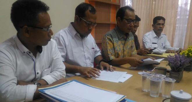 Rakor bersama partai politik dan pleno Komisioner KPU Provinsi Jambi, Kamis (20/9) kemarin.