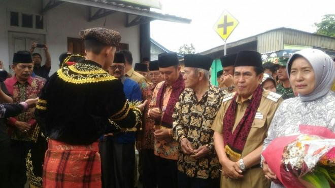 Warga Dusun Baru sambut baik kedatangan Fikar Azami.