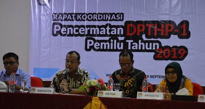 Komisioner KPU Provinsi Jambi menggelar rapat koordinasi bersama jajaran dalam rangkaPencermatan DPTHP-1 Pemilu Tahun 2019.