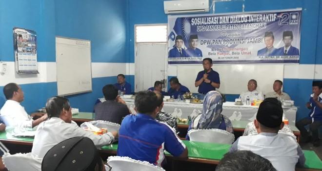 Ketua Dewan Pimpinan Wilayah (DPW) Partai Amanat Nasional (PAN) Provinsi Jambi, H Bakri, Senin (8/10) melakukan konsolidasi ke DPD PAN Kabupaten Batanghari.