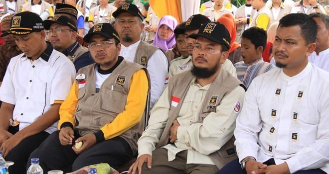 Pengurus DPP PKS menghadiri acara DPW PKS Jambi. Hadapi konflik internal, PKS Jambi pastikan barisan partai masih solid.