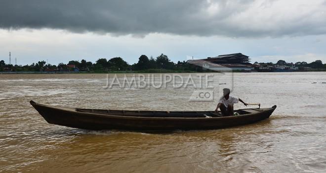 Debit Sungai Batanghari Terus Naik.