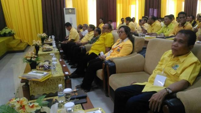 PEMILU : Poliitisi senior Golkar, Akbar Tandjung ketika menghadiri Rakornis DPD I Golkar Jambi dan Kabupaten/kota, Sabtu (24/11) kemarin.