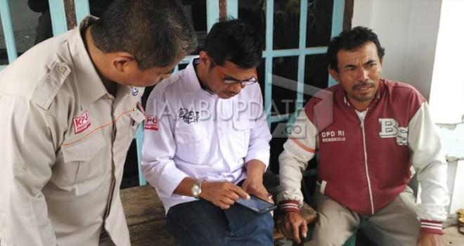 Komisi Pemlihan Umum Provinsi Jambi melakukan supervisi untuk pengecekan data pemilih secara langsung kepada masyarakat.