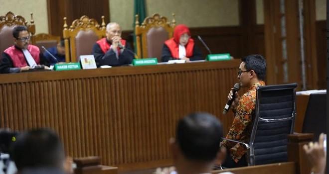 Gubernur Jambi Nonaktif Zumi Zola. Foto : Ismail Pohan / INDOPOS