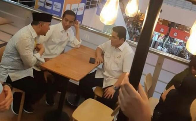 Sy Fasha, Jokowi dan Erick Tohir (Foto Facebook)