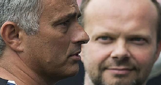 Jose Mourinho dan Wakil Eksekutif Manchester United, Ed Woodward. Foto : mirror