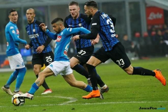 Inter Milan akan menghadapi Napoli di pekan ke-18 Serie A Italia (Reuters)