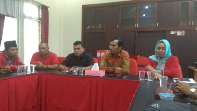 Jumpa pers DPD PDI Perjuangan. Foto : Faizarman / Jambiupdate