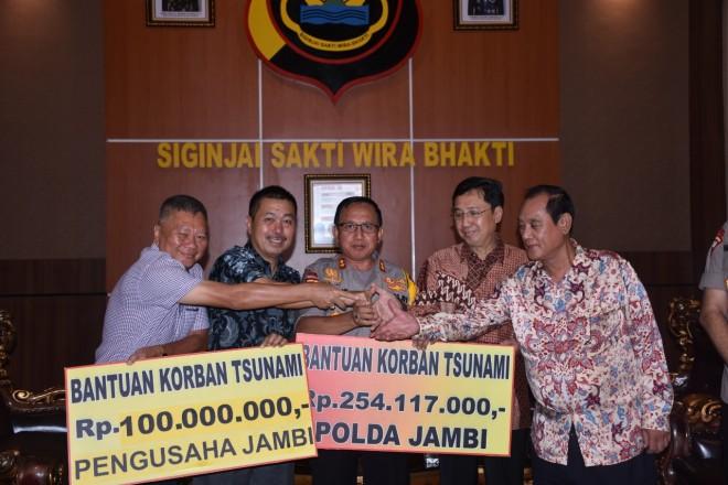Polda Jambi Serahkan Bantuan untuk Korban Tsunami. Foto Ist