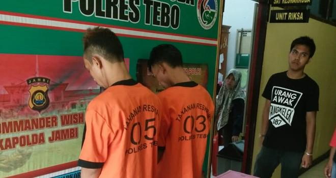 Dua bandar dan barang bukti narkoba saat diamankan di Polres Tebo, Rabu (9/1). Foto : Munasdi / Jambiupdate