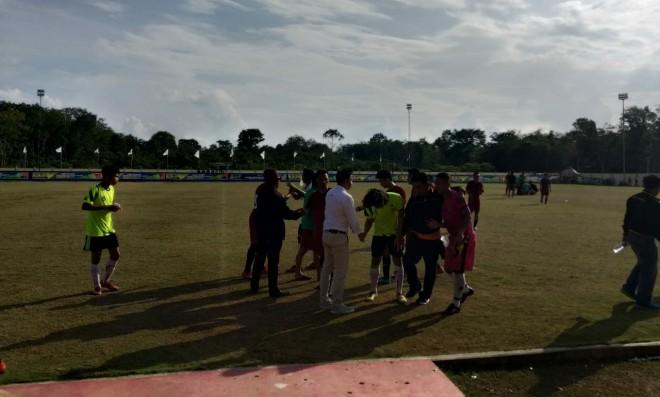 Pertandingan Kabupaten Tanjab Barat melawan tim Kota Jambi. Foto : Wiwin / Jambiupdate