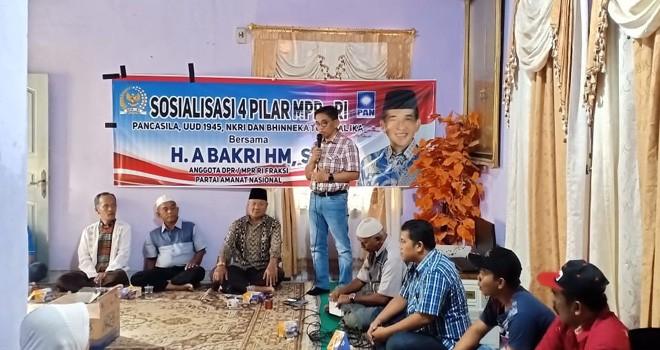 Anggota DPR RI Daerah Pemilihan (Dapil) Provinsi Jambi, H. Bakri, menggelar sosialisasi 4 Pilar Kebangsaan di Kota Jambi. Foto : ist