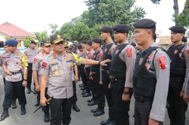 Kalemdiklat Polri Cek Kesiapan Pasukan OMB Polda Jambi. Foto : Ist