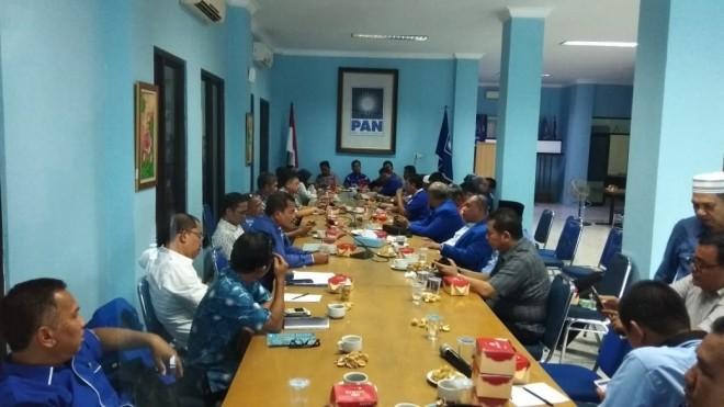 FOTO : SOFWAN/JE KONSOLIDASI :Pengurus DPW PAN di Provinsi Jambi dan Kabupaten/Kota menggelar rapat koordinasi persiapan pemenangan Pemilu 2019.