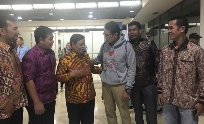 Rumah Sandi Uno Jambi dan relawan Prabowo Sandi saat bertemu Sandiaga Salahuddin Uno. Foto : Ist For Jambiupdate