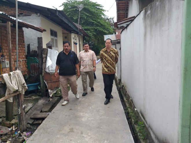 Ihsan Yunus Kunjungi Jalan Setapak Bantuan BUMN di Jambi. Foto : Ist