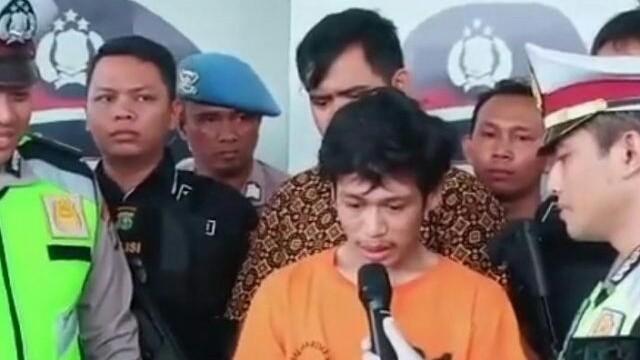 Adi Saputra termehek-mehek saat ditangkap oleh jajaran Satuan Resor Kriminal Polres Tangerang Selatan. (Istimewa)