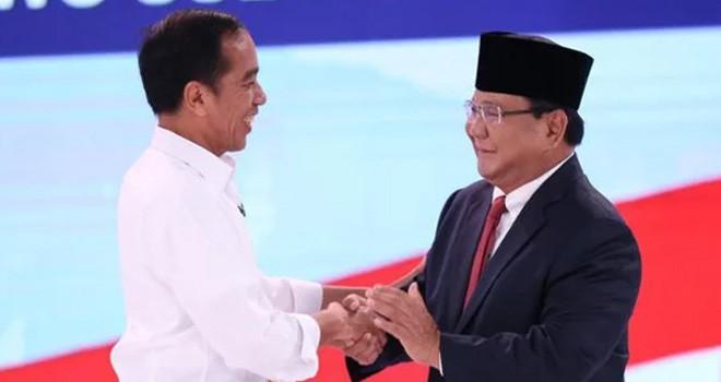 Jokowi dan Prabowo Subianto saat debat capres. Foto : net