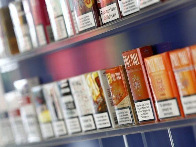 Seorang pria Malaysia telah dijatuhi hukuman lima tahun penjara karena menyelundupkan lebih dari 6 juta batang rokok ke Australia (Reuters)
