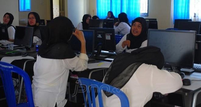 Para peserta tes PPPK. Foto : JPNN