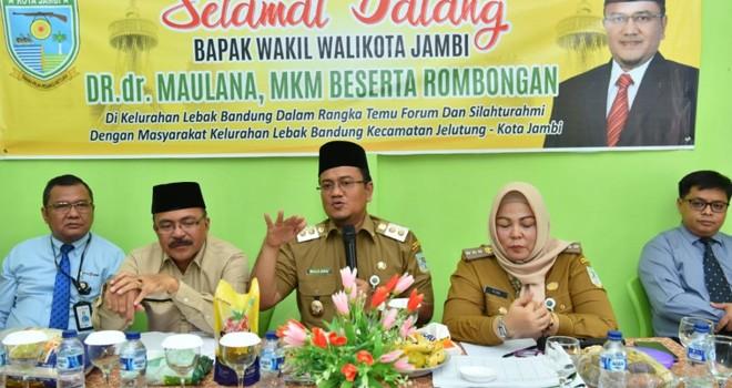 Wakil Walikota Jambi menyampaikan beberapa program Pemkot Jambi khususnya untuk RPJMD 2018-2023 saatKunker di Lebak Bandung (11/3).