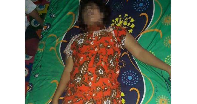 Mira Susanti (19) yang nekat mengakhiri hidupnya dengan gantung diri dikamarnya sendiri, Selasa (12/3) sekira pukul 10.30. Foto : Ist