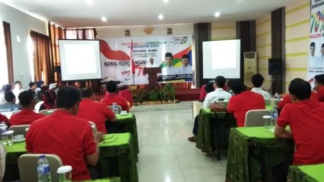 Pelatihan dan pembekalan terhadap koordinator saksi Provinsi Jambi, bertempat di Hotel Golden Harvest, Selasa (13/3). Foto : Safwan / Jambiupdate