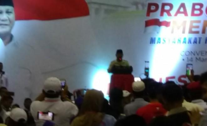 Pidato Capres Prabowo Subianto dihadapan ribuan masyarakat Jambi di Ratu Convention Center (RCC). Foto : Safwan / Jambiupdate