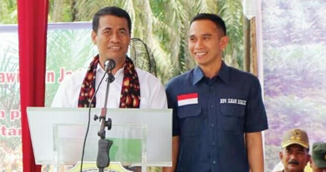 Dipo Nurhadi Ilham mendampingi Menteri Pertanian (Mentan) Amran Sulaiman. Foto : Ist