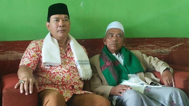Di Ponpes Al-Qhurthubiyyah, Tommy Soeharto dan KH. M. Mustofa.Foto (ist).